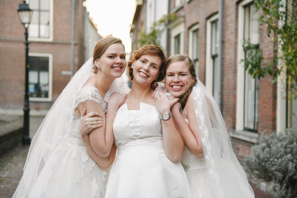 trouwjurk, trouwjurken foto shoot, la nova, mirjam broekhof, zussen foto shoot, fotoshoot ideeën, idee fotoshoot,