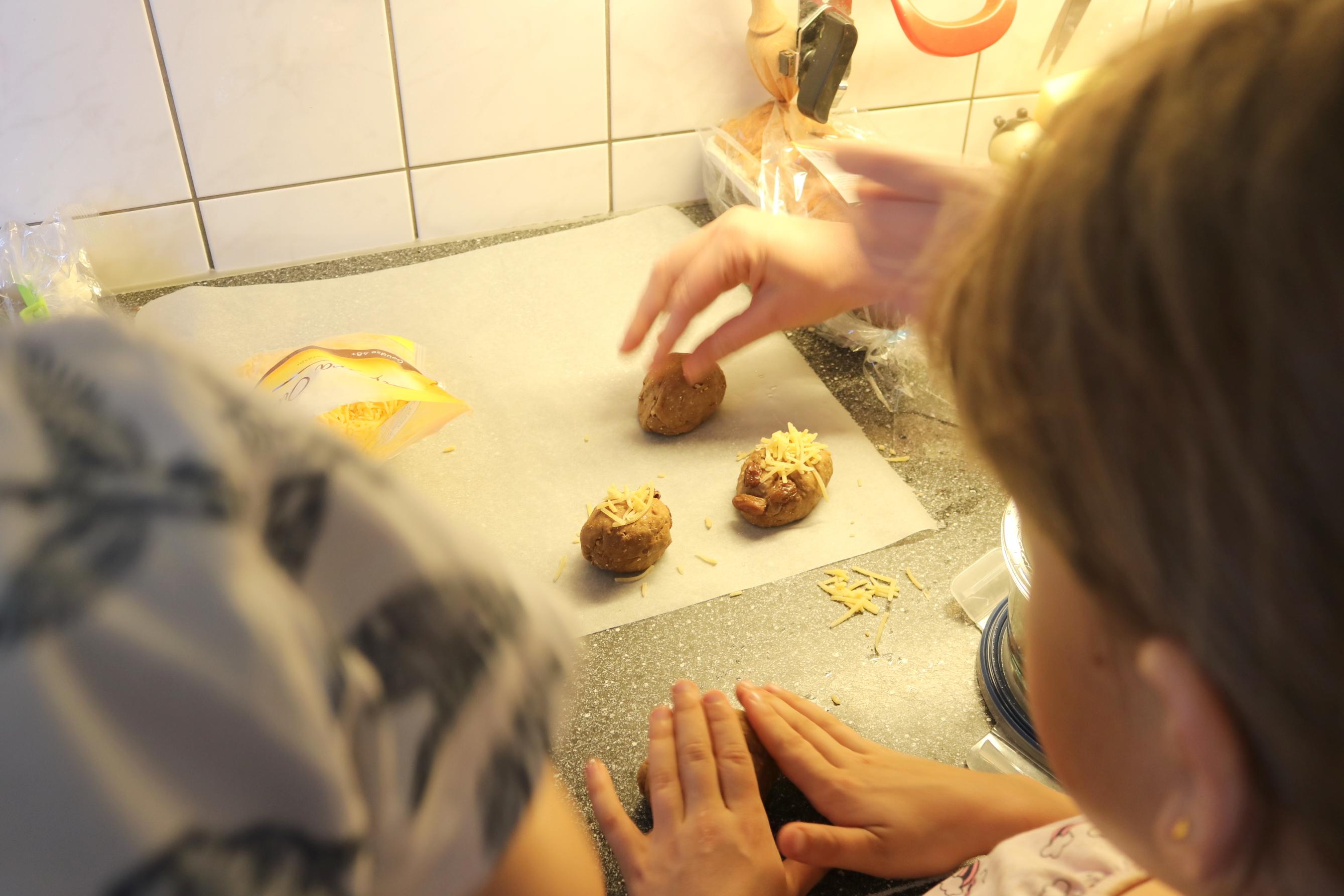 egel broodj, koken kinderen, recept brood, recept kinderen, egeltjes brood, brood bakken,