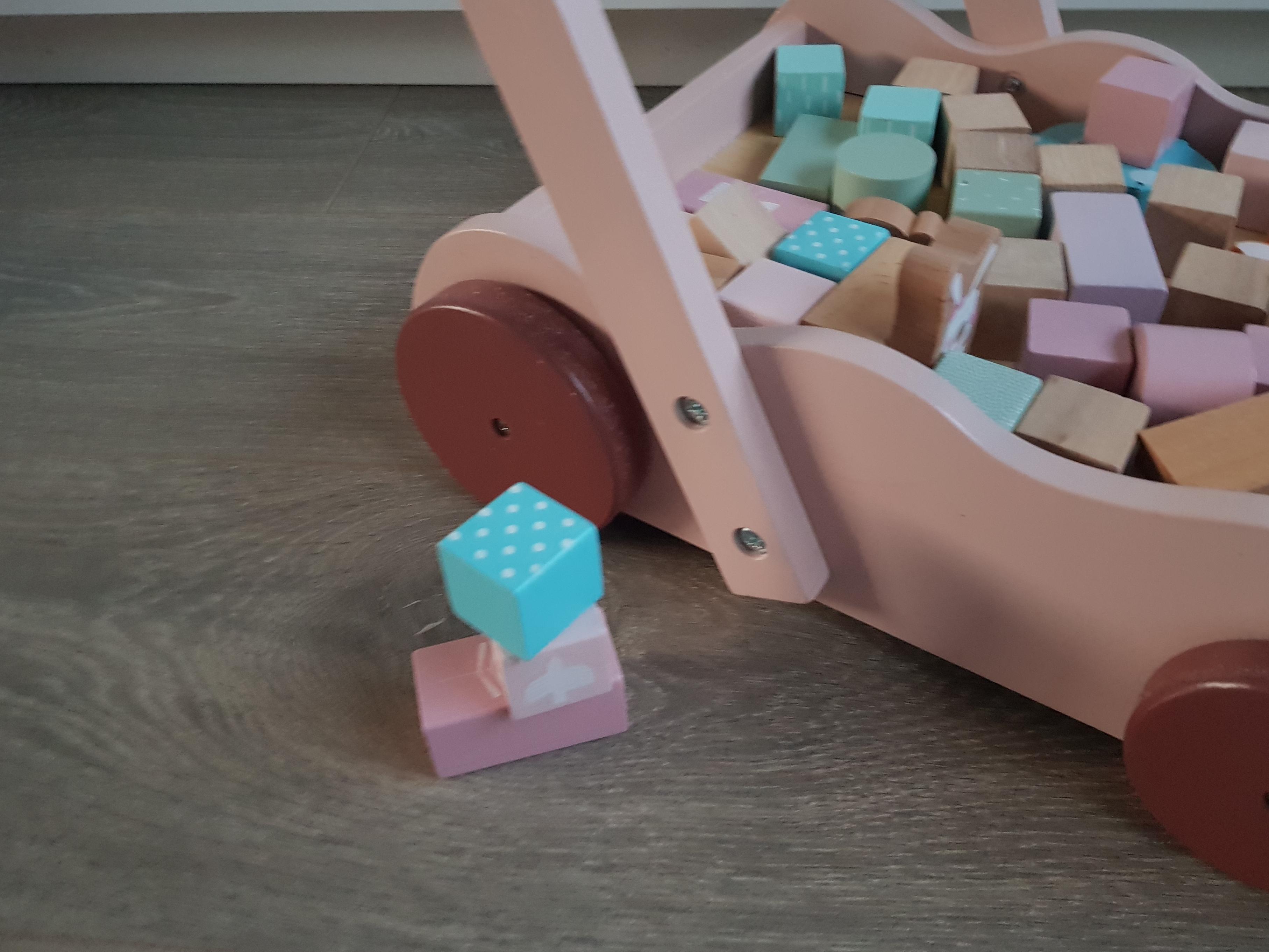 speelgoed 1 jaar, speelgoed baby, stimulerend speelgoed baby, stimulerend speelgoed, spelen baby, spelen 1 jaar,